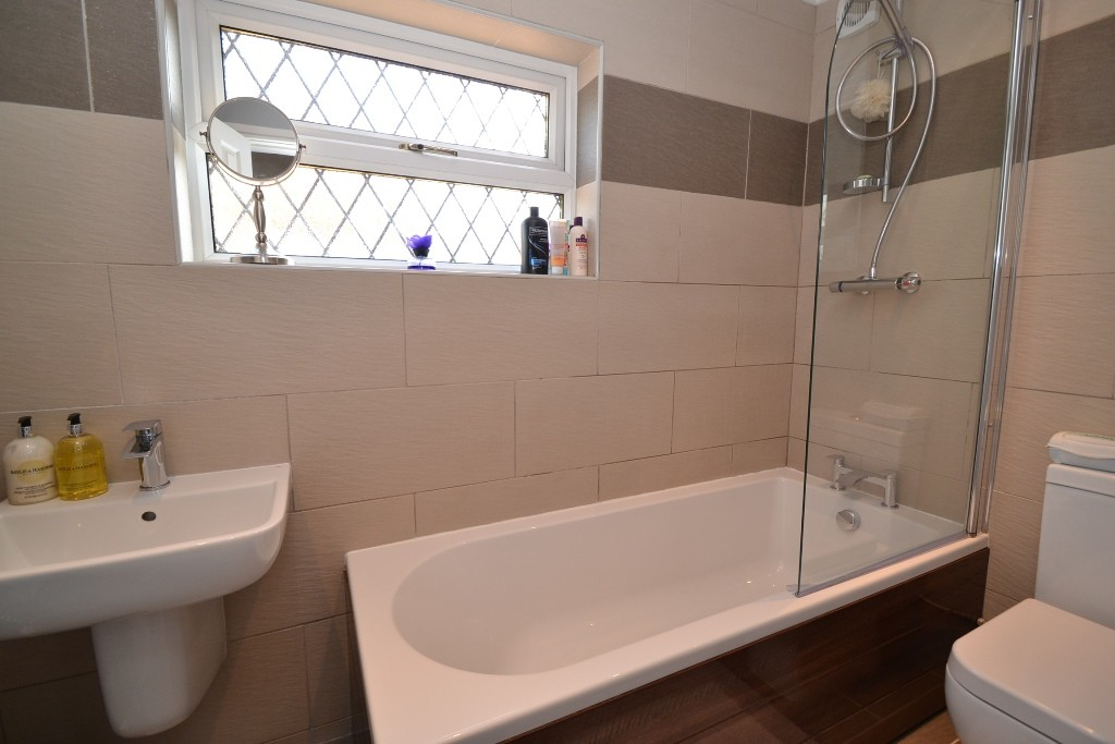 3 Bedroom Semi-detached House For Sale - 15