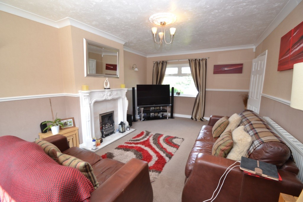 3 Bedroom Semi-detached House For Sale - 4