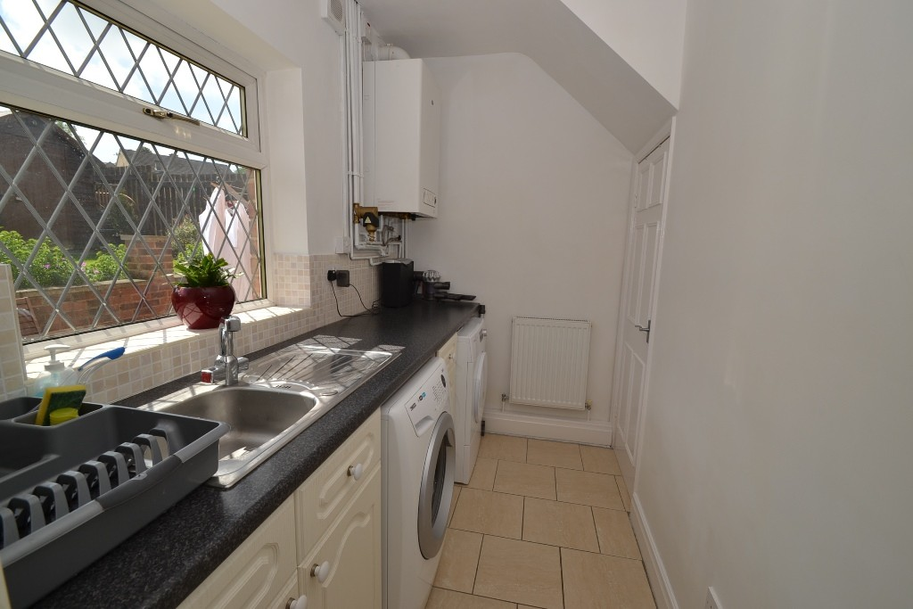 3 Bedroom Semi-detached House For Sale - 10