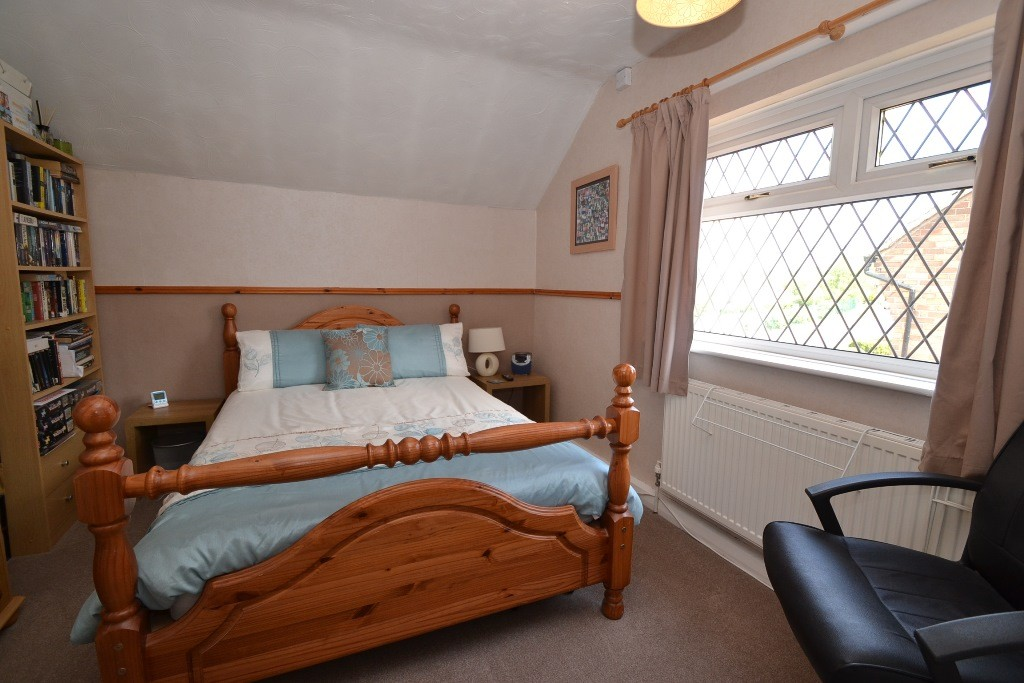 3 Bedroom Semi-detached House For Sale - 13