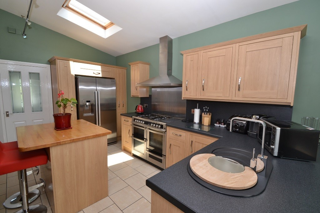 3 Bedroom Semi-detached House For Sale - 9