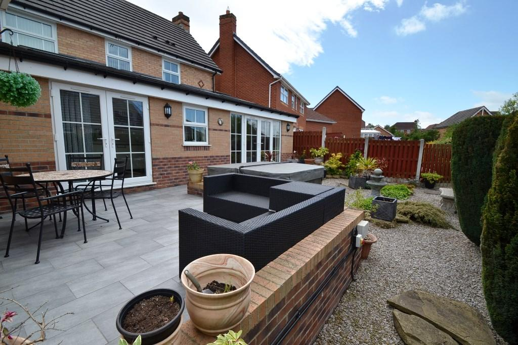 3 Bedroom Detached House For Sale - Photograph 28