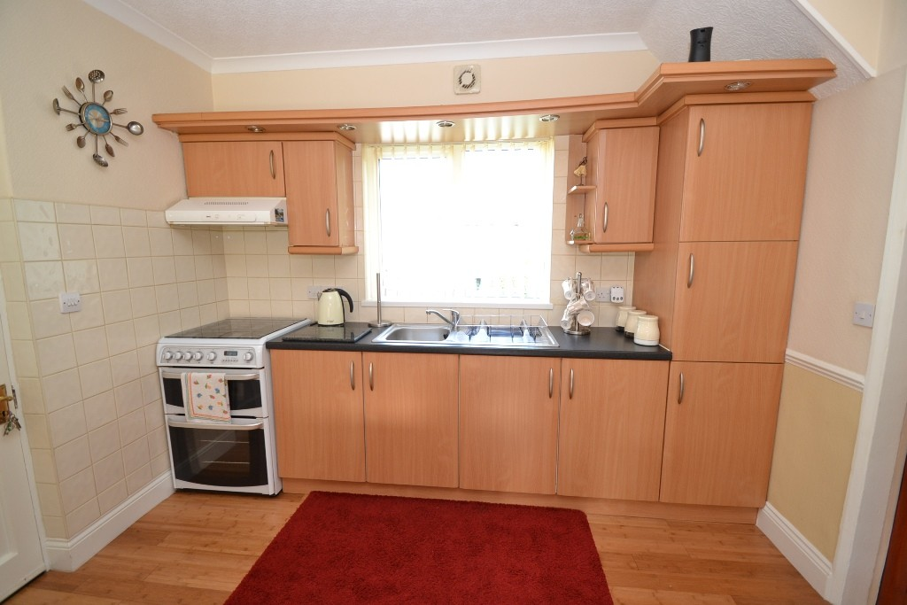 3 Bedroom Semi-detached House For Sale - 0