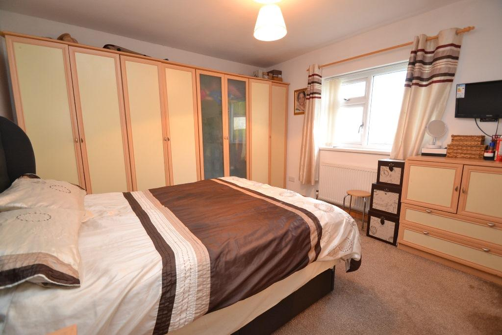 5 Bedroom Detached House For Sale - Photograph 12