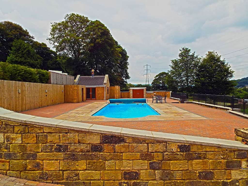 5 Bedroom Detached House For Sale - Photograph 14