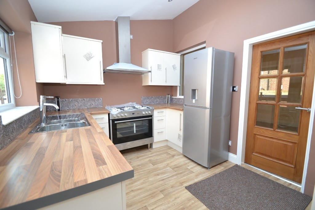 4 Bedroom End Terraced House For Sale - Photograph 6