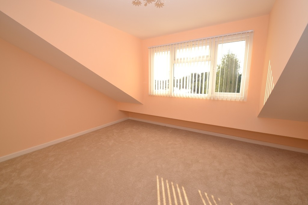 4 Bedroom End Terraced House For Sale - Photograph 14