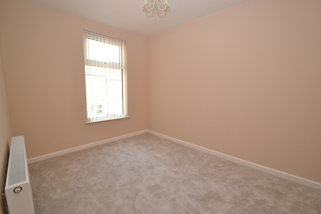 4 Bedroom End Terraced House For Sale - Photograph 9