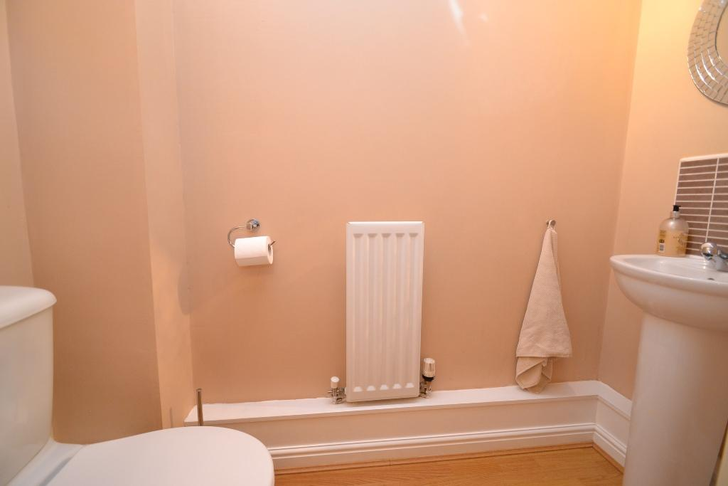 4 Bedroom Mid Terraced House For Sale - Photograph 3