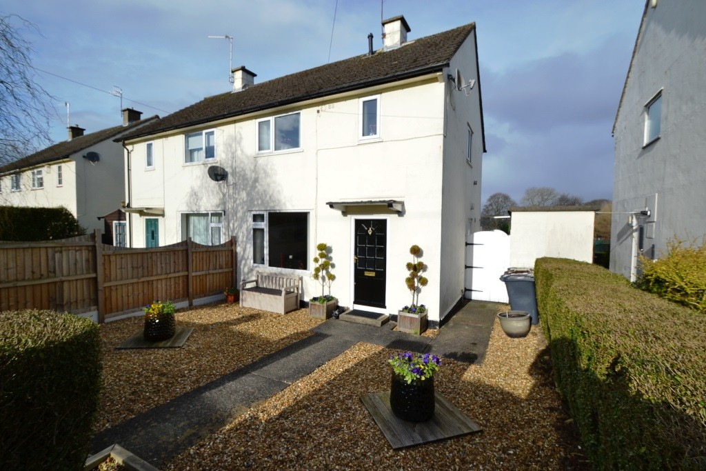 2 Bedroom Semi-detached House For Sale - Photograph 18
