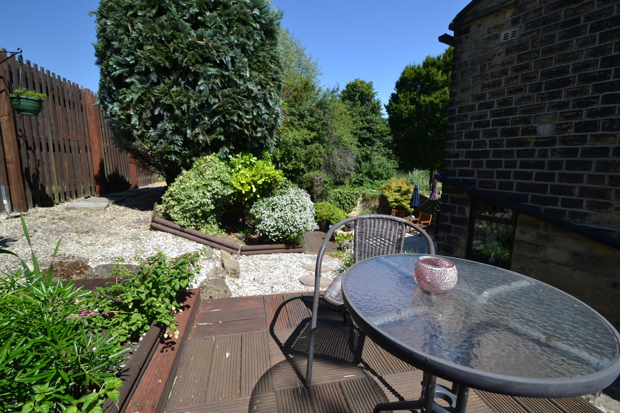 2 Bedroom Cottage House For Sale - Photograph 14