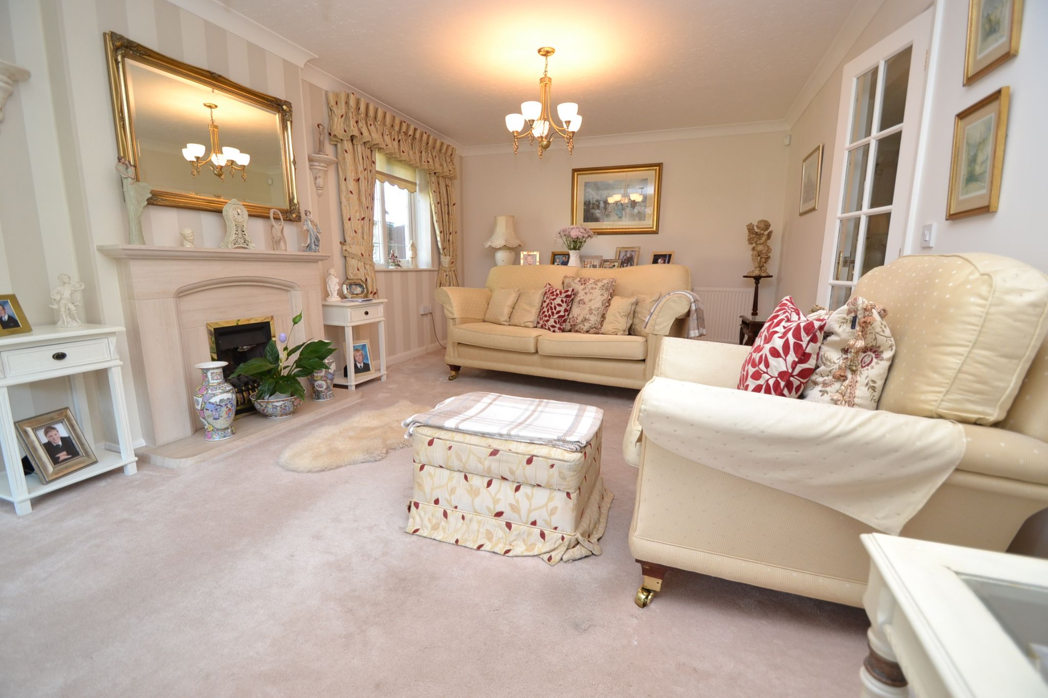 3 Bedroom Detached Bungalow For Sale - Photograph 5