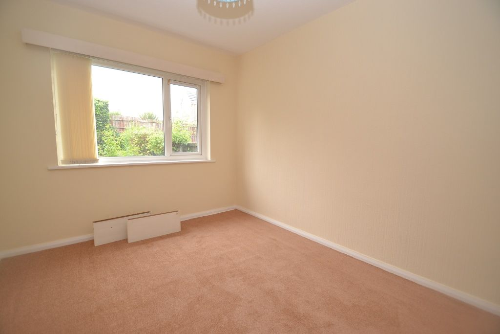 2 Bedroom Semi-detached Bungalow For Sale - Photograph 5