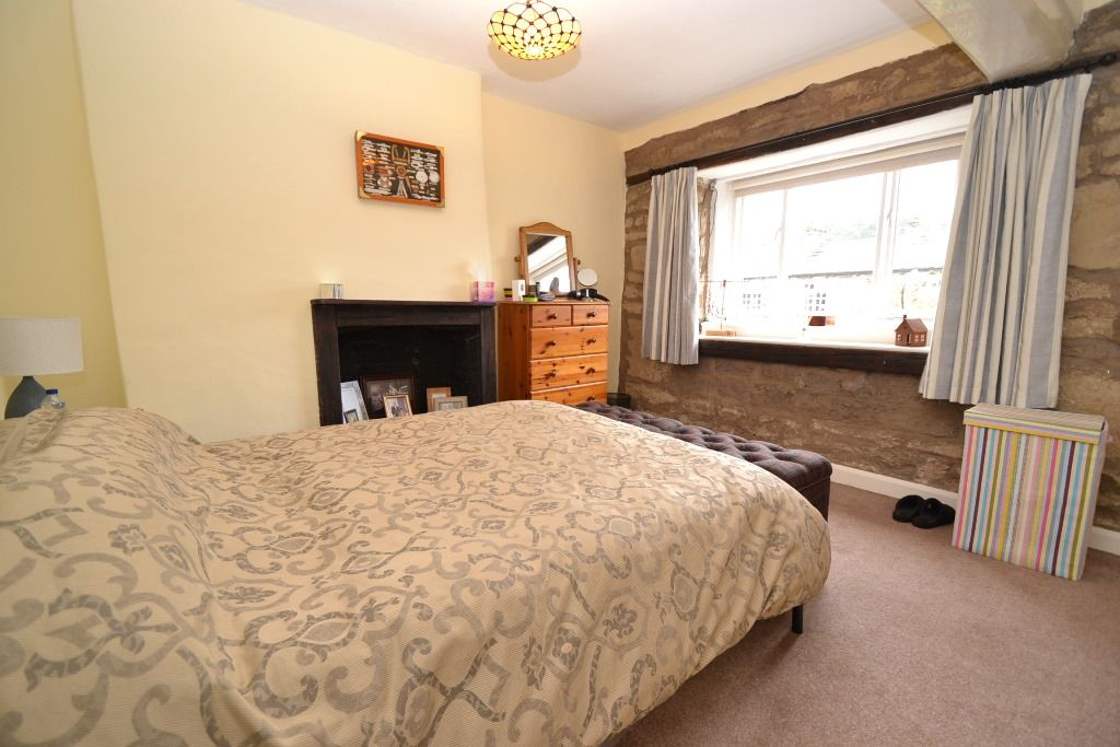 2 Bedroom Cottage House For Sale - Photograph 7