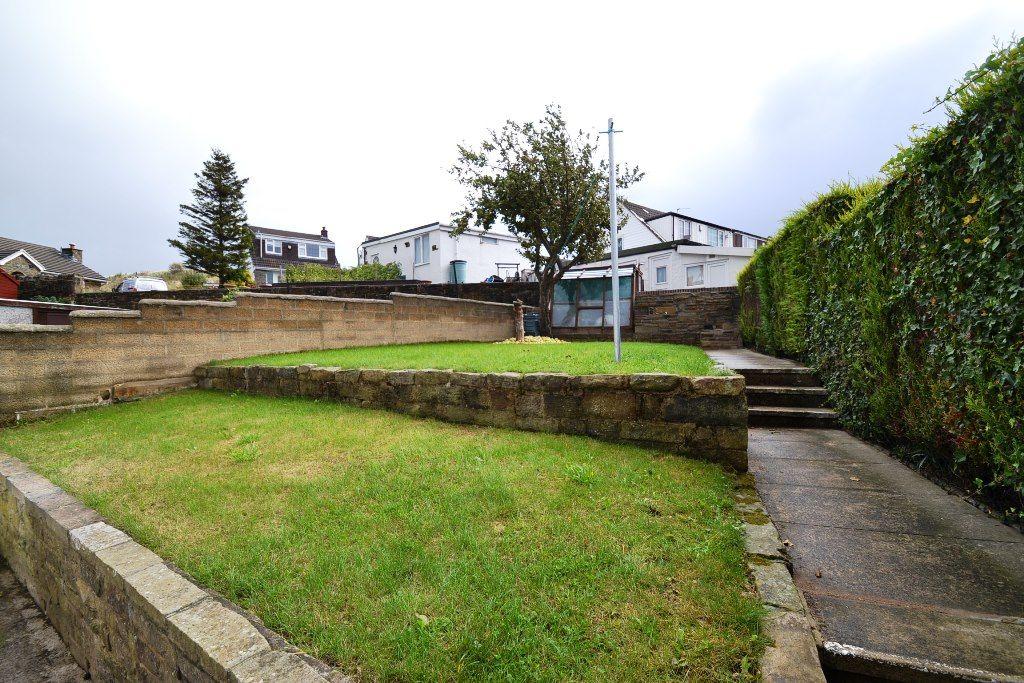 2 Bedroom Semi-detached Bungalow For Sale - Photograph 10
