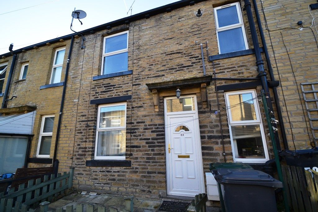 1 Bedroom Mid Terraced House For Sale - Photograph 1