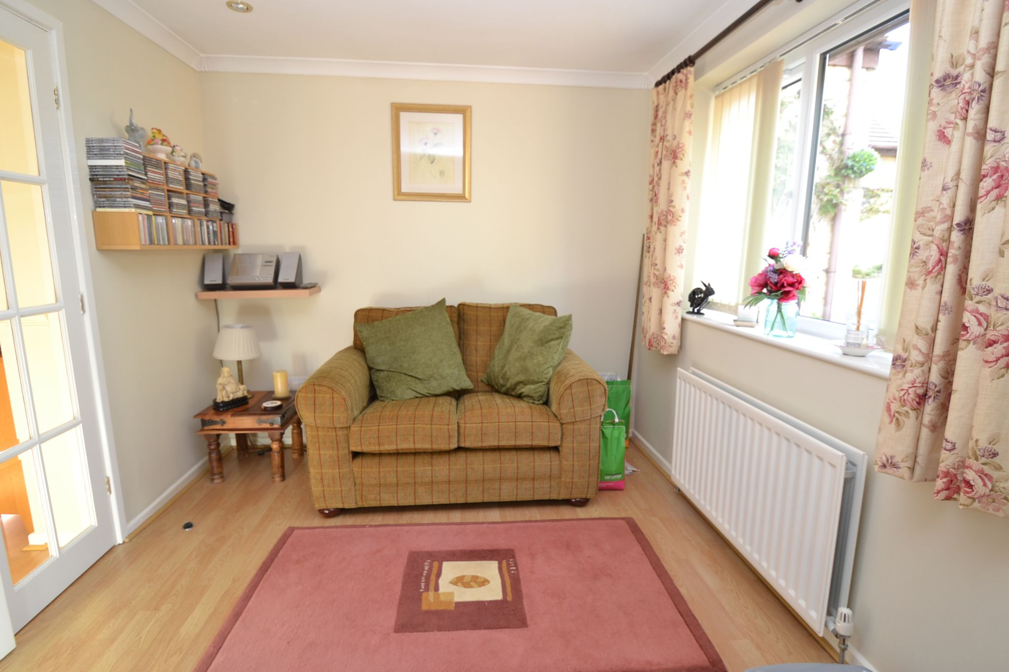 4 Bedroom Detached House For Sale - Photograph 6