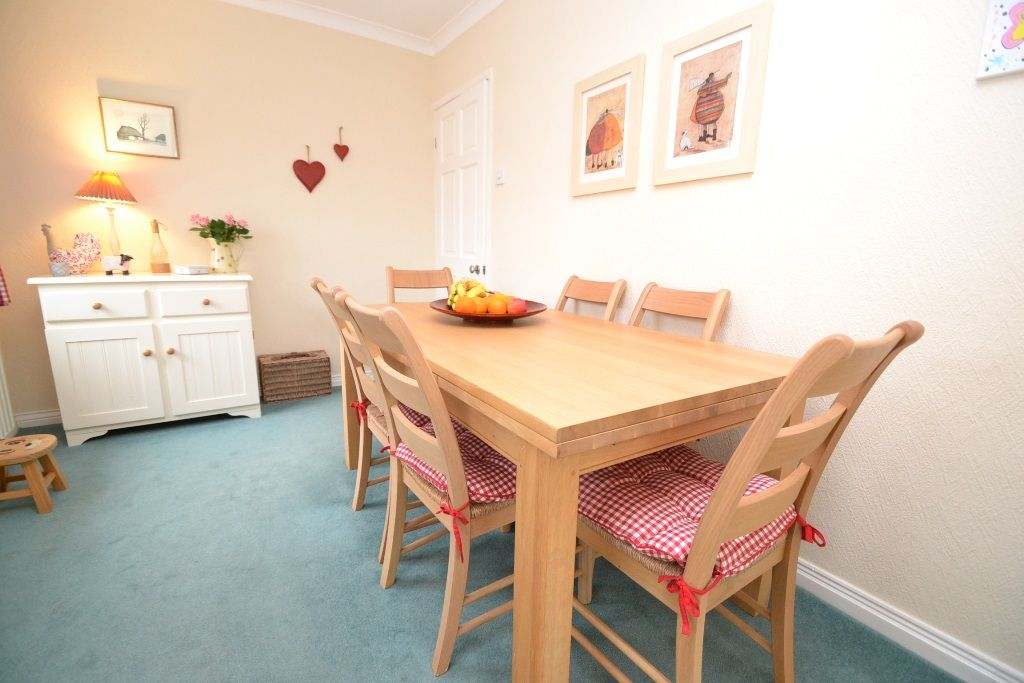 3 Bedroom Semi-detached Bungalow For Sale - Photograph 6