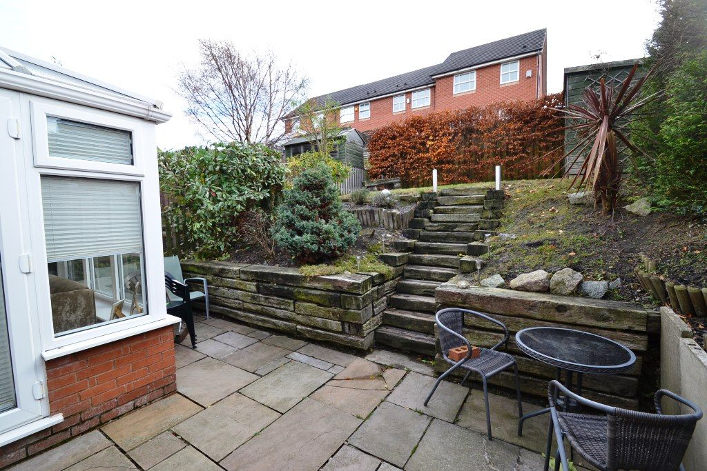 3 Bedroom End Terraced House For Sale - Photograph 9