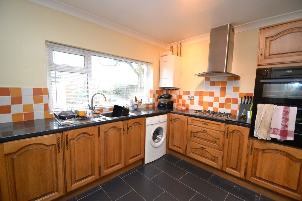 2 Bedroom Detached Bungalow For Sale - Photograph 3