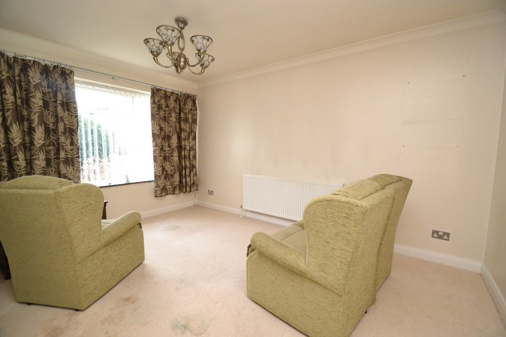 2 Bedroom Detached Bungalow For Sale - Photograph 2