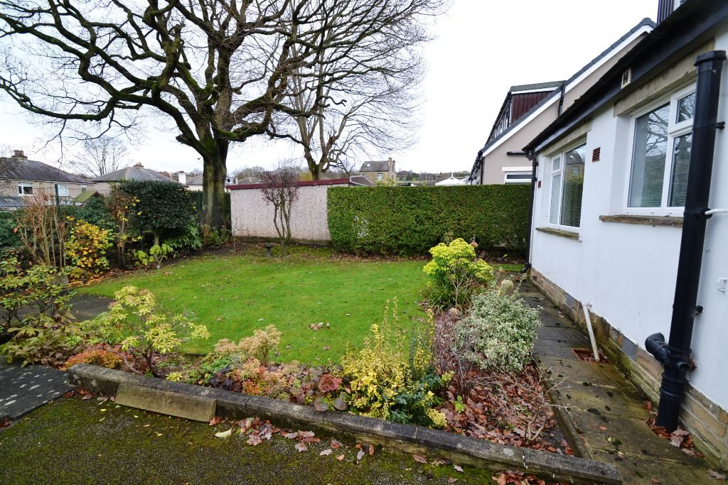2 Bedroom Detached Bungalow For Sale - Photograph 11