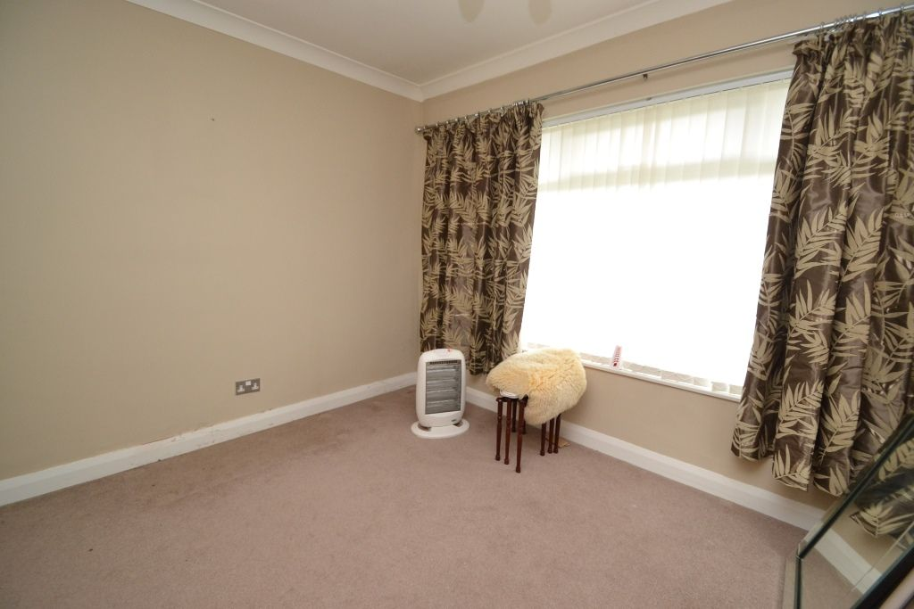2 Bedroom Detached Bungalow For Sale - Photograph 5