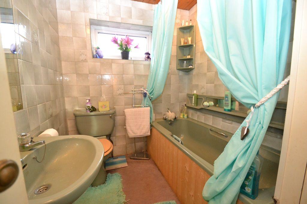 3 Bedroom Semi Detached House For Sale In 98 Wrose Road Wrose Bd2