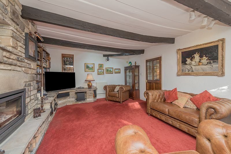 3 Bedroom Cottage House For Sale - Photograph 24