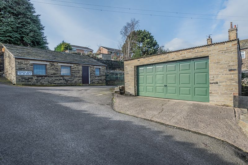 3 Bedroom Cottage House For Sale - Photograph 28