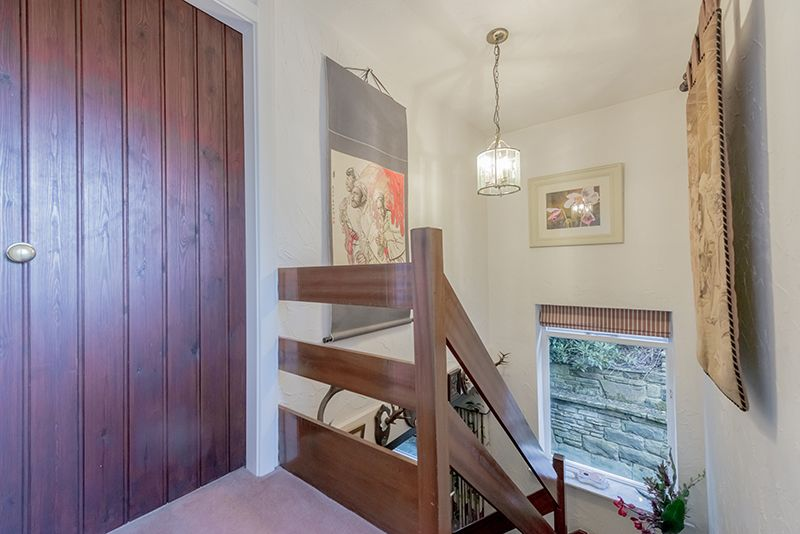 3 Bedroom Cottage House For Sale - Photograph 10