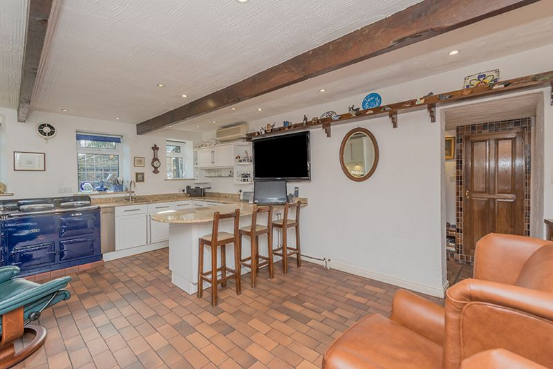 3 Bedroom Cottage House For Sale - Photograph 18