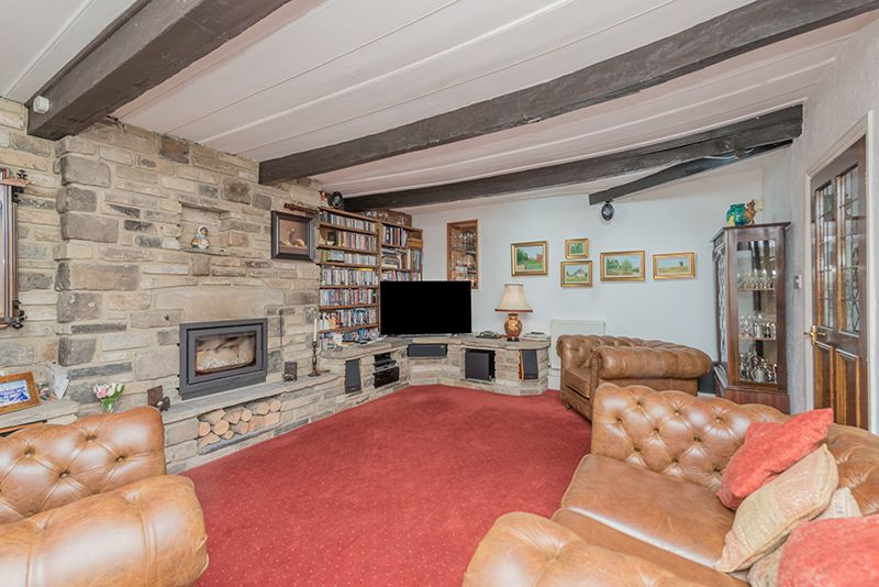 3 Bedroom Cottage House For Sale - Photograph 25