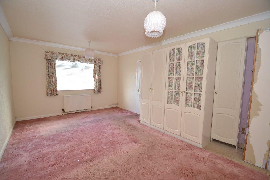 3 Bedroom Detached Bungalow For Sale - Photograph 7
