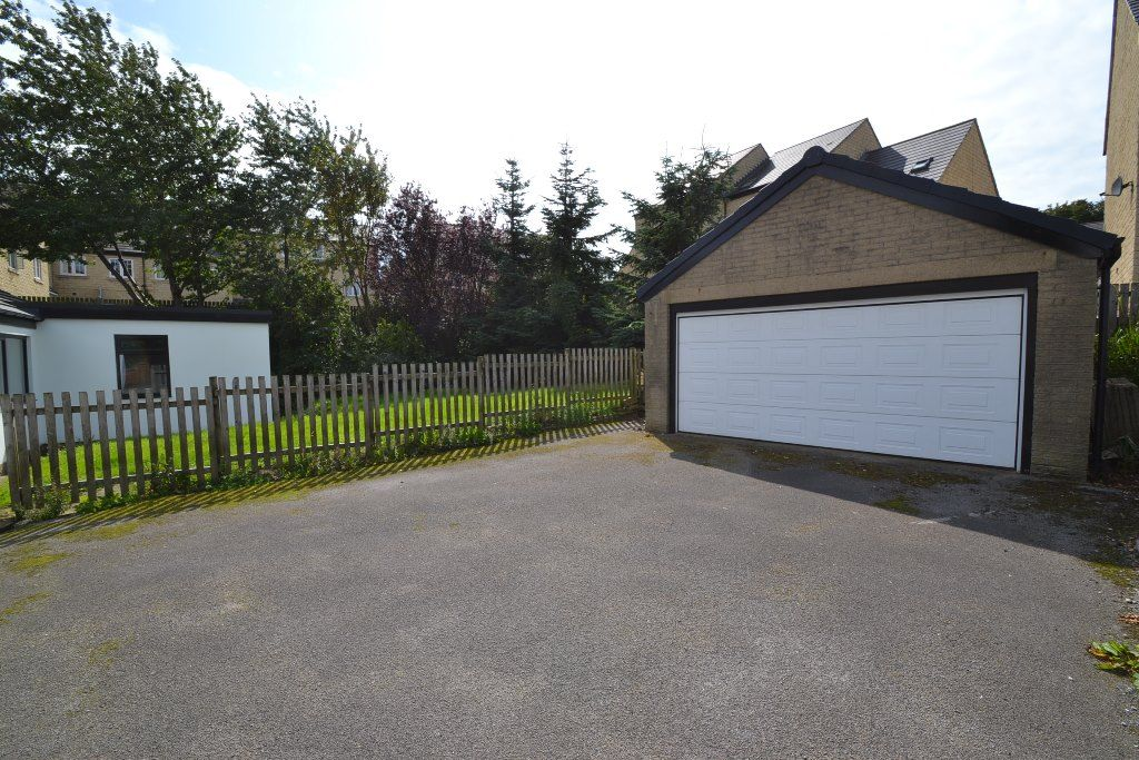 4 Bedroom Detached Bungalow For Sale - Photograph 17