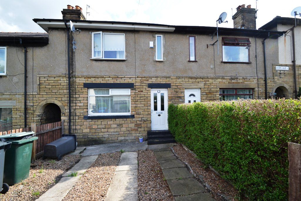 2 Bedroom Town House For Sale - Photograph 1