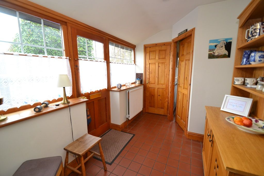 3 Bedroom Detached House For Sale - Photograph 13