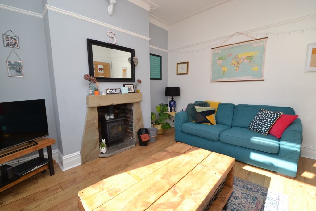 3 Bedroom Mid Terraced House For Sale - Photograph 3
