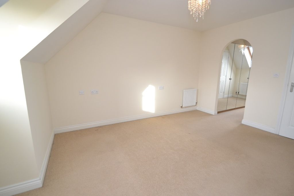3 Bedroom End Terraced House For Sale - Photograph 14