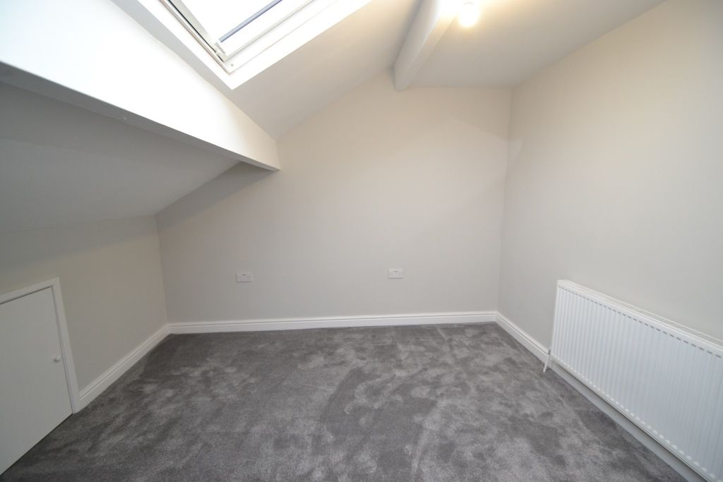 5 Bedroom End Terraced House For Sale - Photograph 14