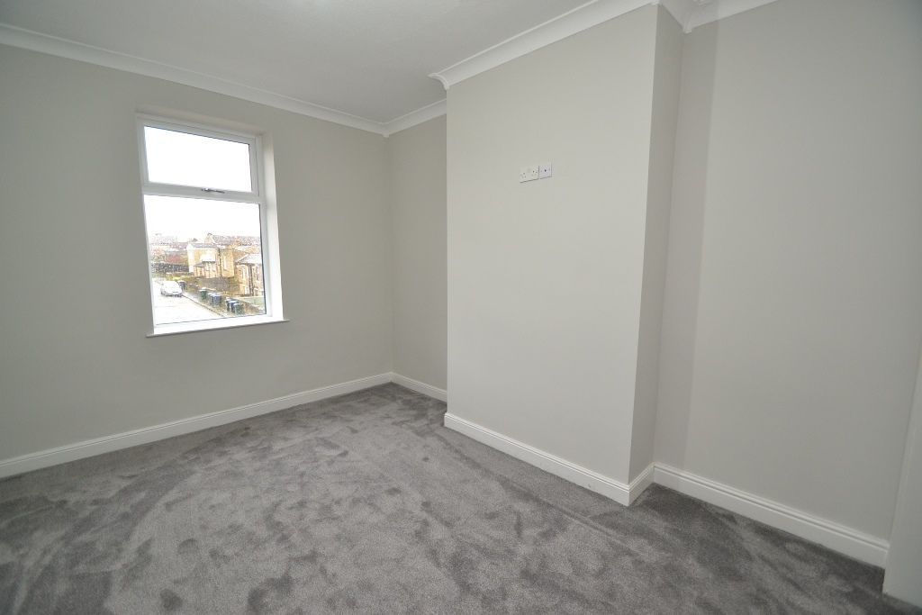5 Bedroom End Terraced House For Sale - Photograph 8