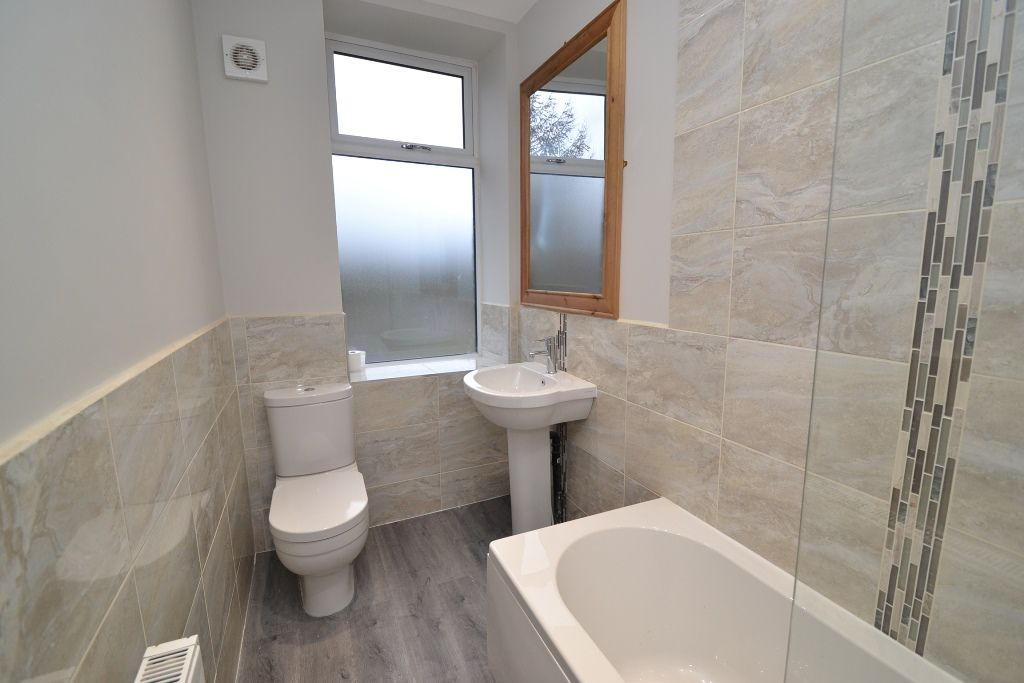5 Bedroom End Terraced House For Sale - Photograph 9