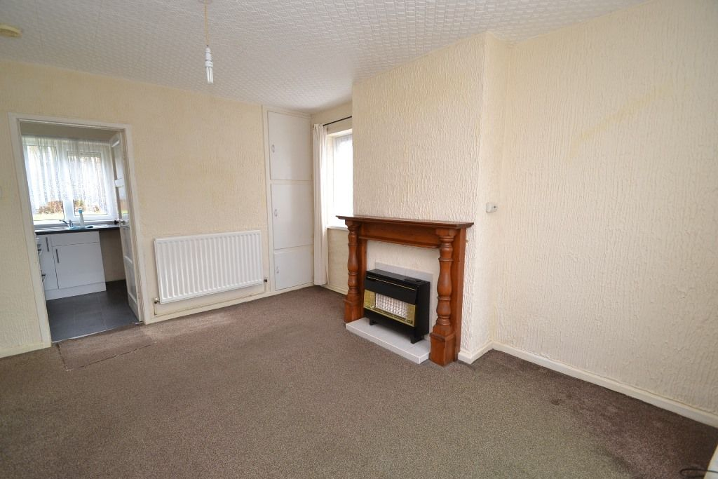 1 Bed Ground Floor Maisonette Flat/apartment For Sale - Photograph 5