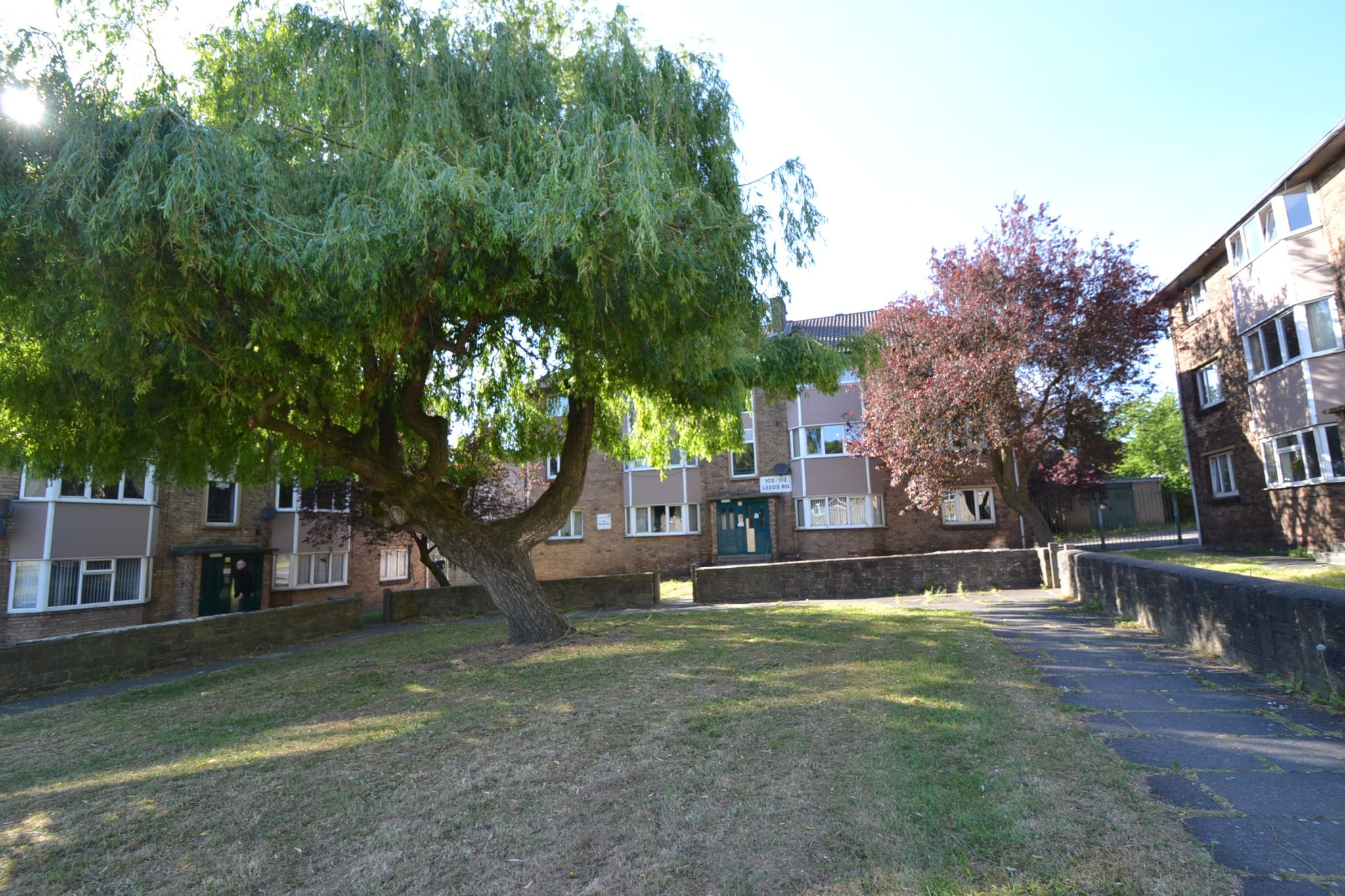 2 Bedroom Flat Flat/apartment For Sale - Photograph 1