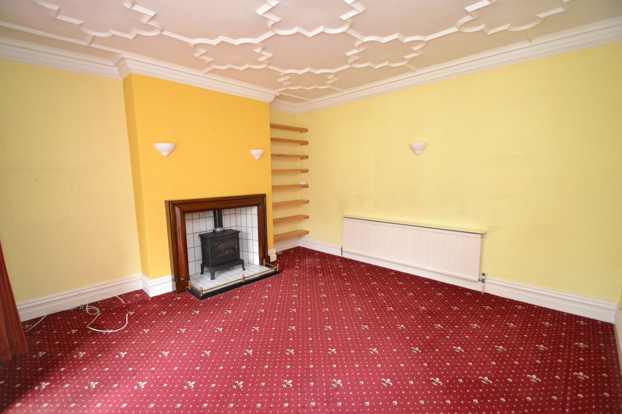6 Bedroom Semi-detached House For Sale - Photograph 6