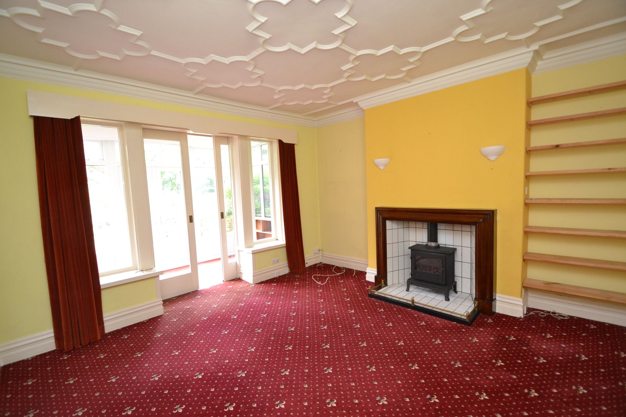 6 Bedroom Semi-detached House For Sale - Photograph 7