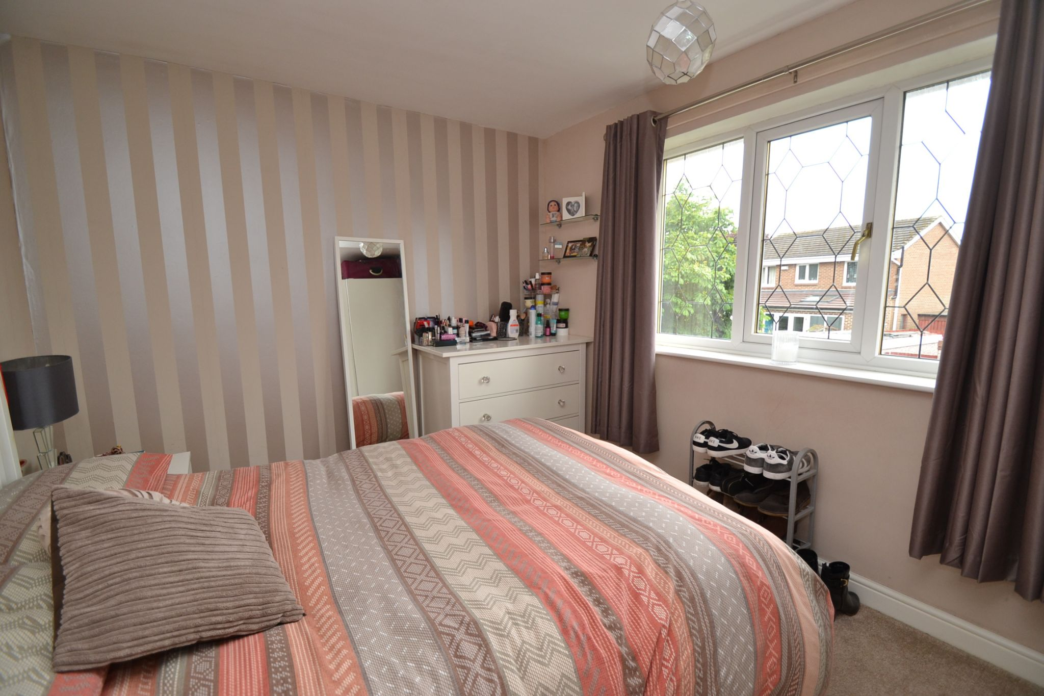 2 Bedroom Mews House For Sale - Photograph 6