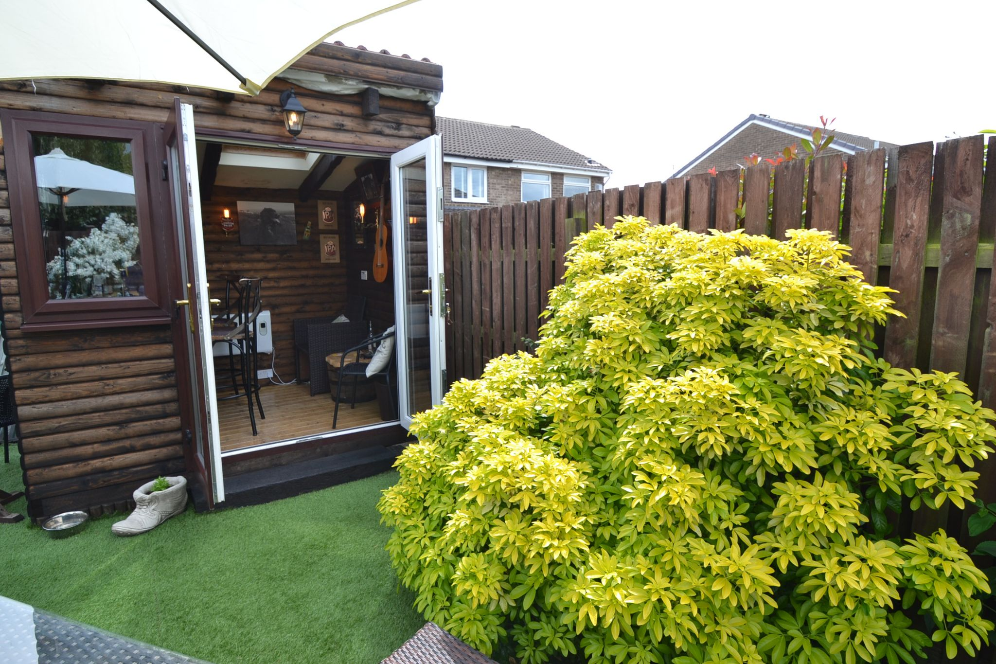 2 Bedroom Semi-detached House For Sale - Photograph 17