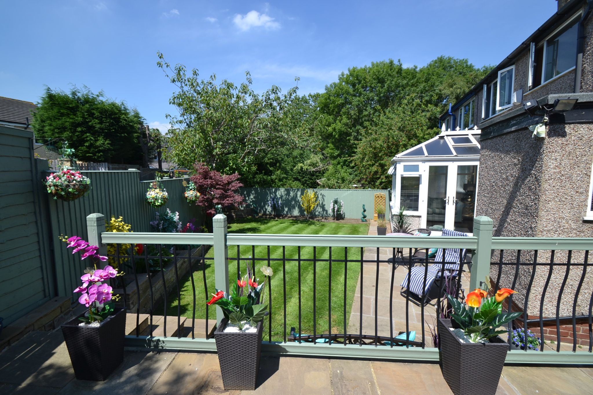 3 Bedroom Semi-detached House For Sale - Photograph 21