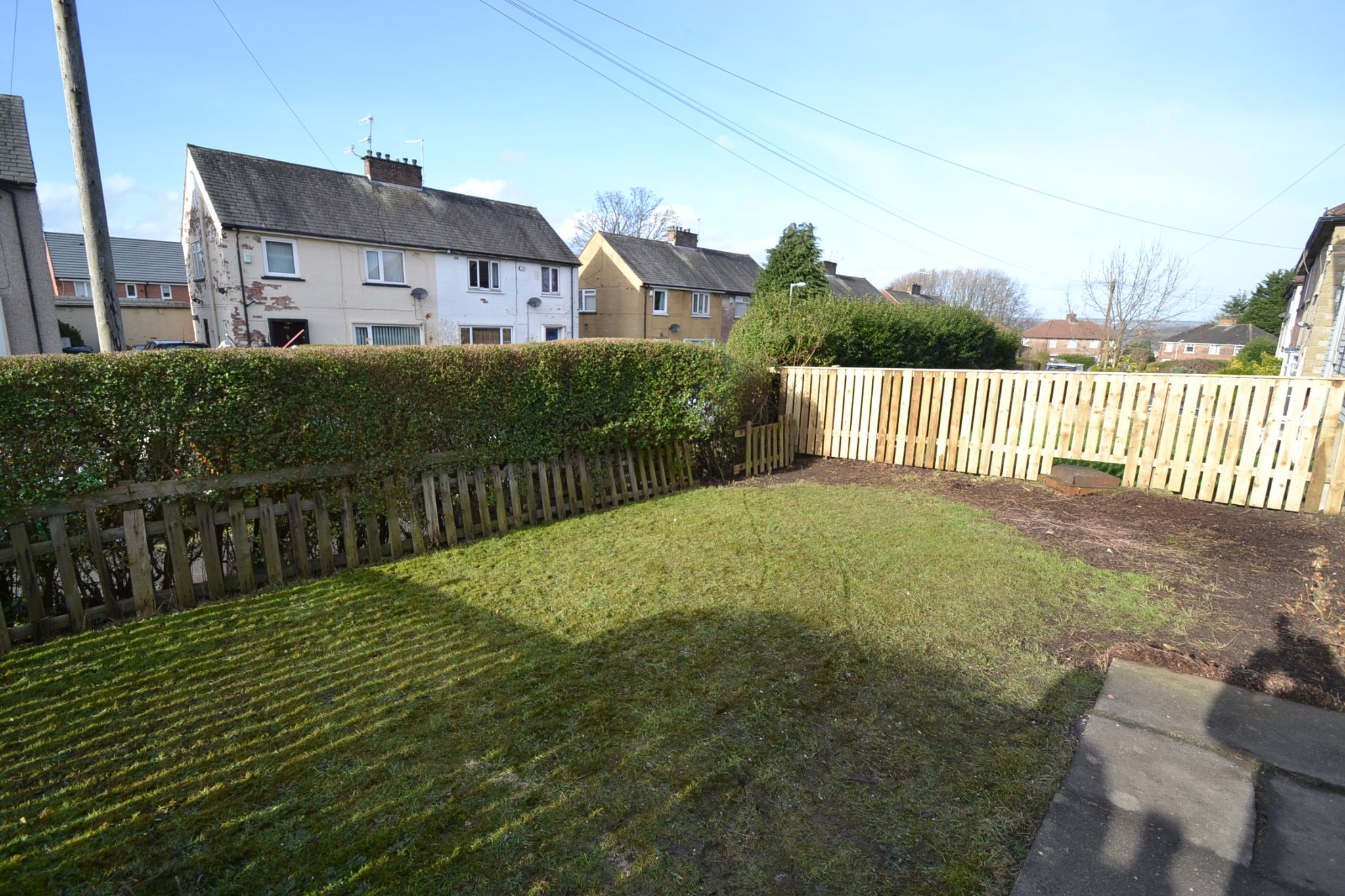 4 Bedroom Mid Terraced House For Sale - Photograph 16